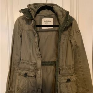 ❤️2 for $15 Abercrombie & Fitch jacket in green